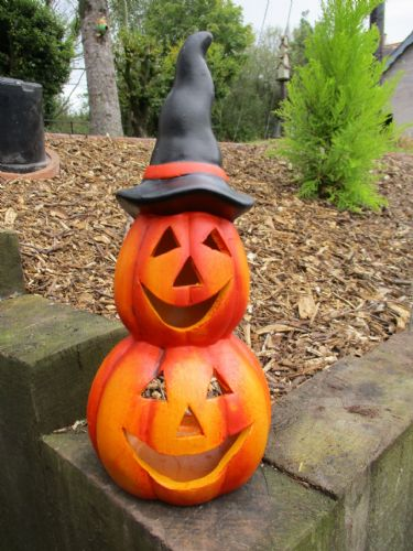 Pumpkin Lantern with Hat (Small)